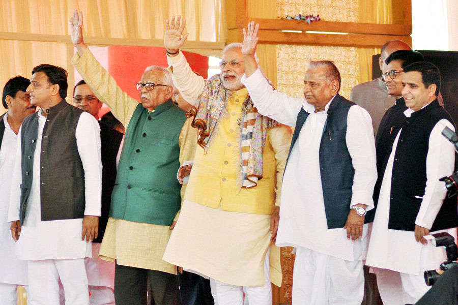 PM Modi steals show at big, fat Yadav ceremony