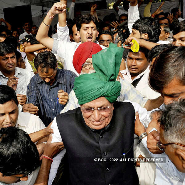 HC upholds 10-year jail term for Chautala, son