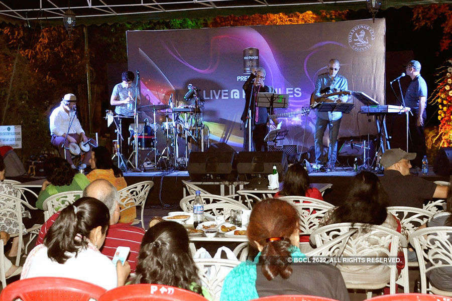 Skinny Alley performs @ Tolly Club