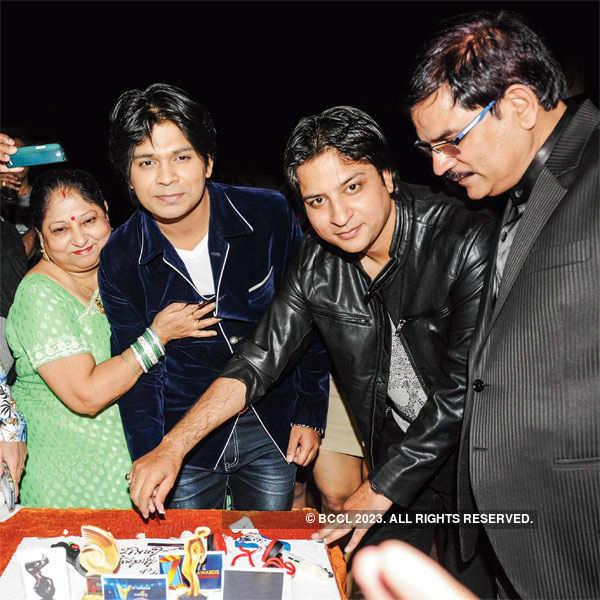 Ankit Tiwari's b'day party