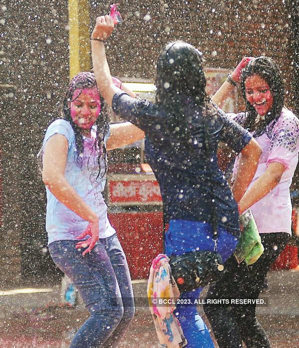Rain dance & Holi masti for college goers