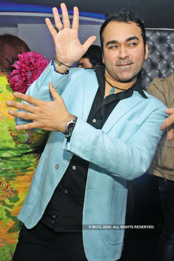 Bollywood beats make Dilli groove