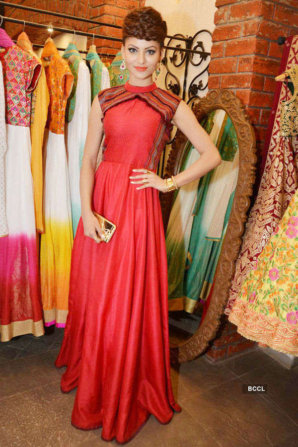 Tamanna, Shruti's new collection launch
