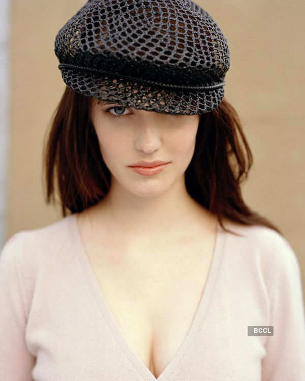 Divas dazzle in hats