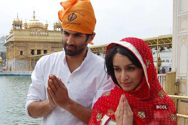 Shraddha kapoor and aditya roy kapoor dating sim