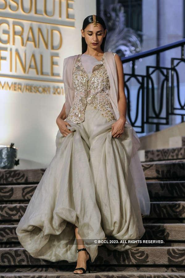 LFW '15: Grand Finale: Anamika Khanna