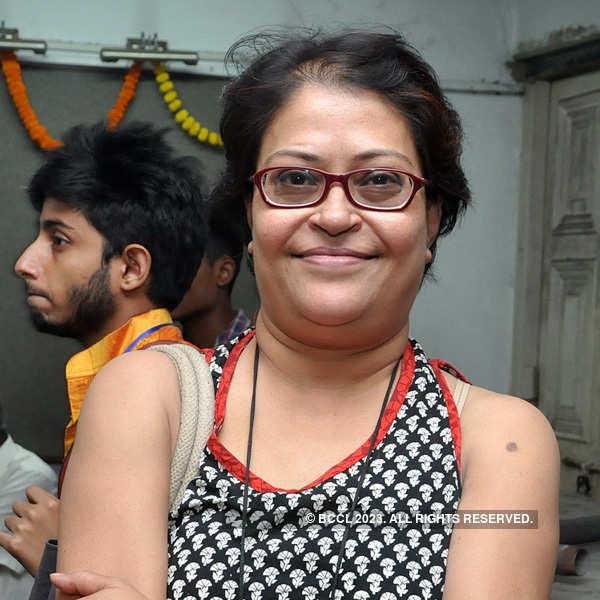 Celebs enjoy play in Kolkata