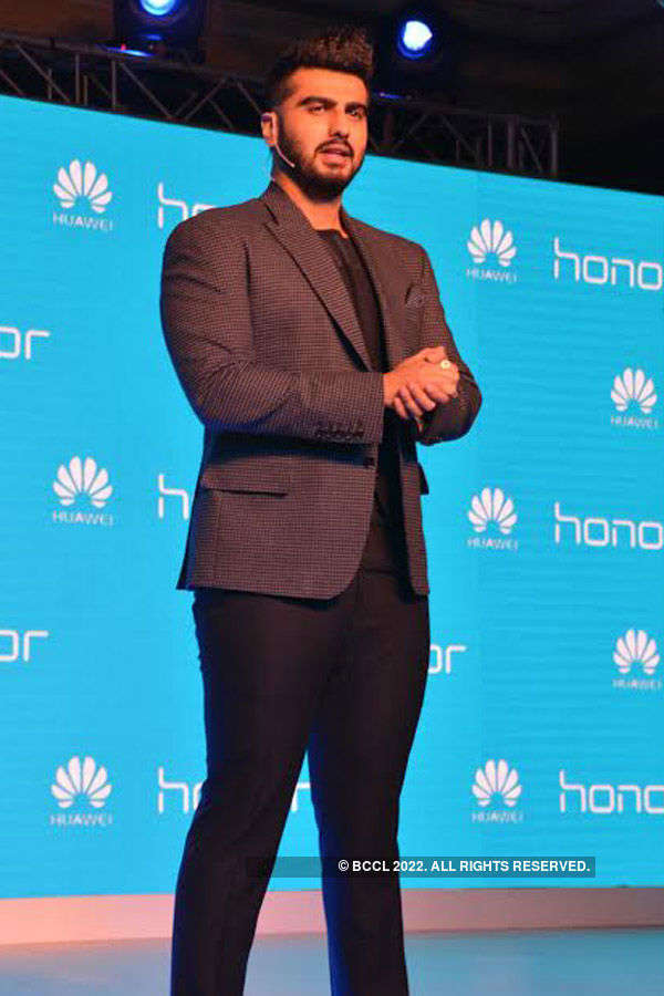 Arjun Kapoor launches smartphone