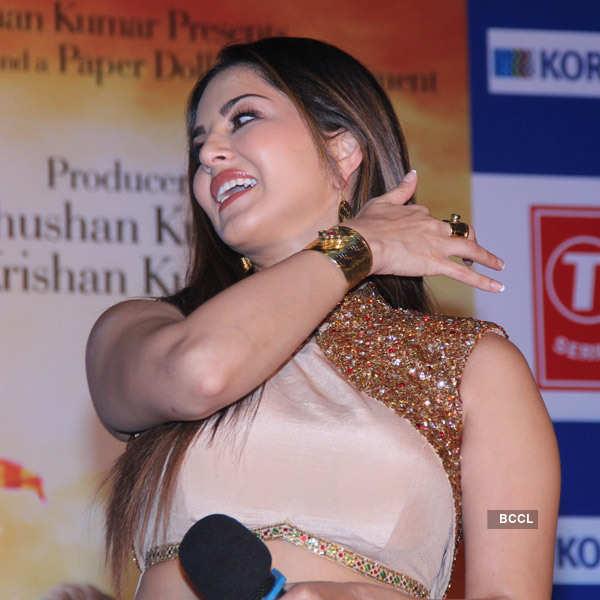 Sunny Leone promotes film Ek Paheli Leela
