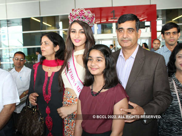 Miss India World 2015 Aditi Arya's homecoming