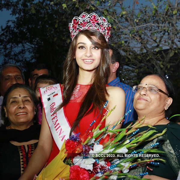 Miss India World 2015 Aditi Arya's Residential felicitation