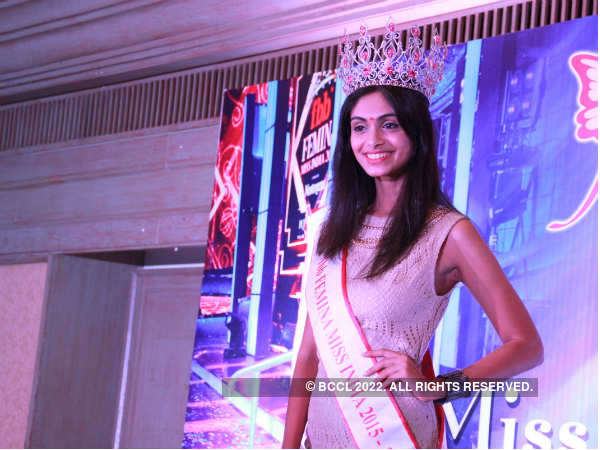 Aafreen adds glamour to the red carpet event
