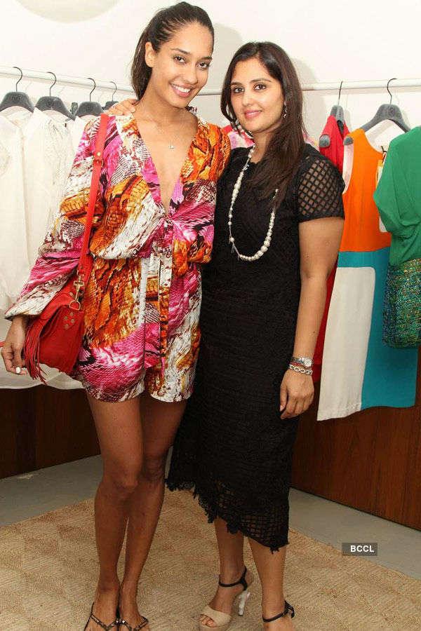 Lisa @ Fashion Preview