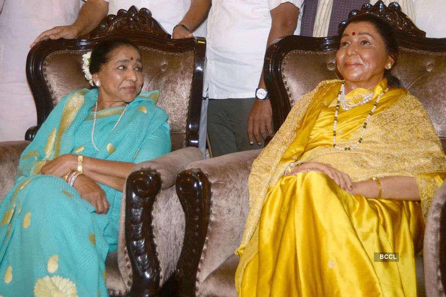 Pawar & Asha's wax statue unveiling