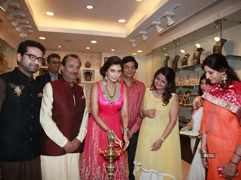 Lisa Ray @ Amrapali Jewels' store