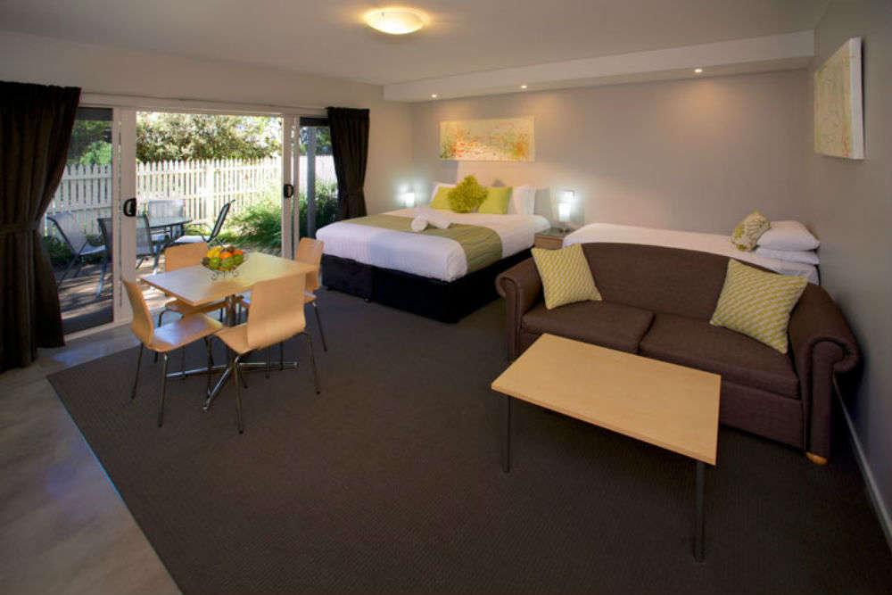 Boat House Resort Motel