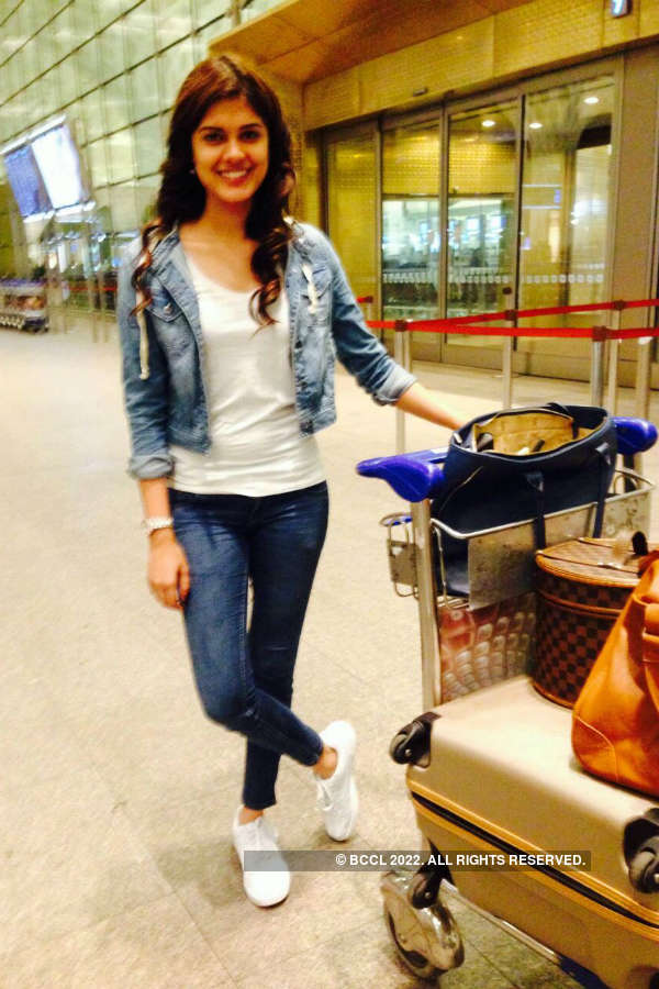 Asha Bhat clicked at Mumbai airport as she leaves for Thailand
