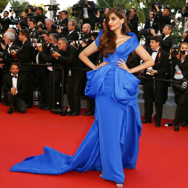 Sonam Kapoor looks stunning as she walks the red carpet at the Cannes - Photogallery  - Times of India