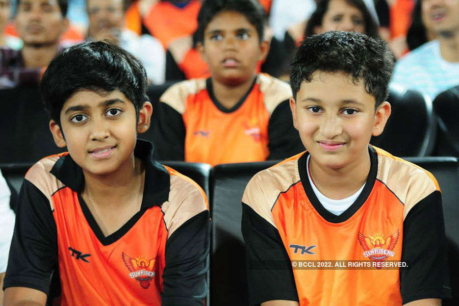 Hyderabad battles it out with Mumbai