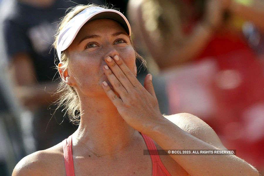 Sharapova clinches third Rome title