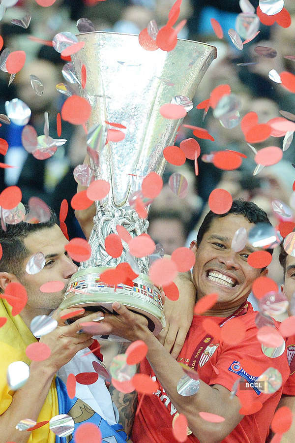 Sevilla clinches Europa League title