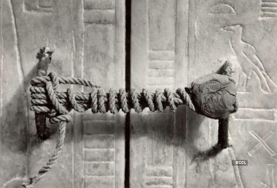 Unbroken Seal was put on the fifth shrine of King Tutankhamun's Tomb