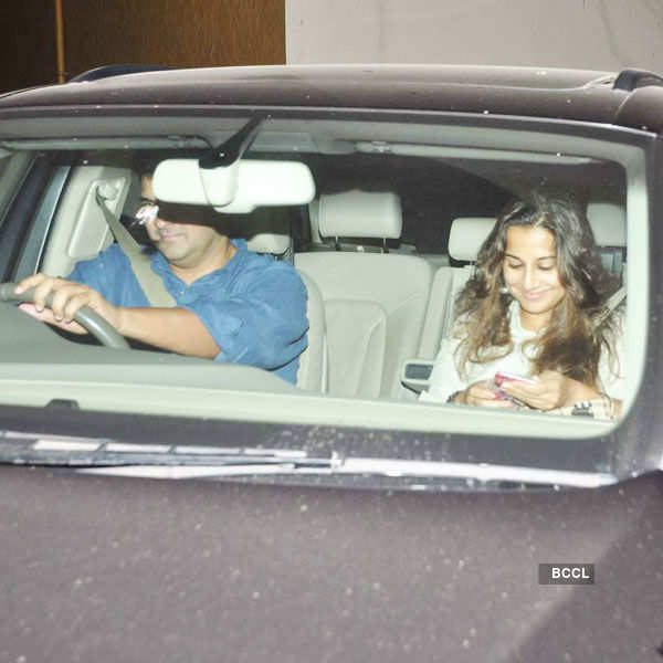 Siddharth Roy Kapur and Vidya Balan arrive for the Photogallery - Times of India