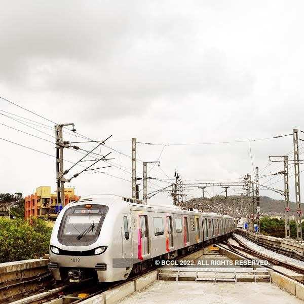 Mumbai Metro offers 'pizza on the go' to commuters