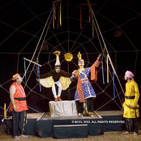 Shuturmurg: A play