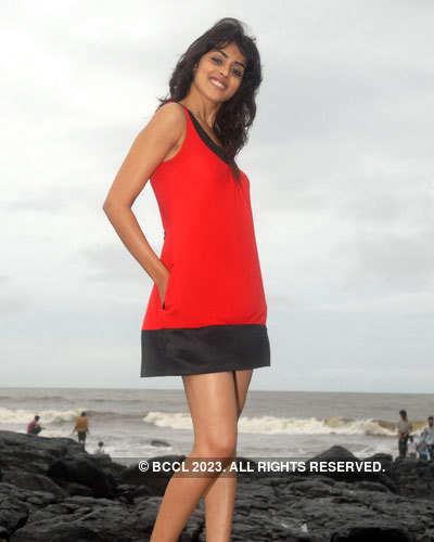 Genelia D'Souza's Portfolio Pics