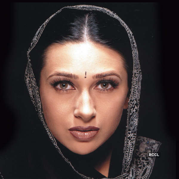 Happy Birthday Karisma Kapoor!