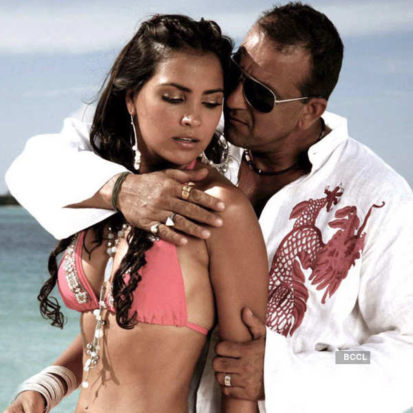 When Sanjay Dutt romanced Lara Dutta in Blue