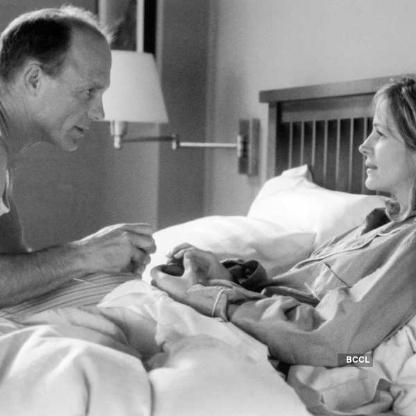 Ed Harris was oddly paired with thirty-one years old Julia Roberts