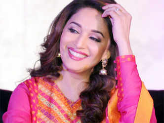 Madhuri Dixit gets nostalgic as her 'Dil' turns 25