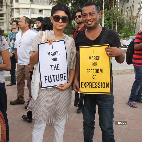 Celebs @ FTII protest march
