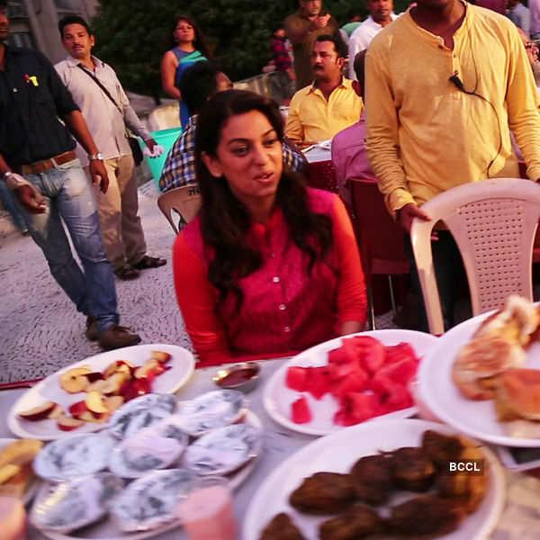 Juhi, Shabana @ Iftar party