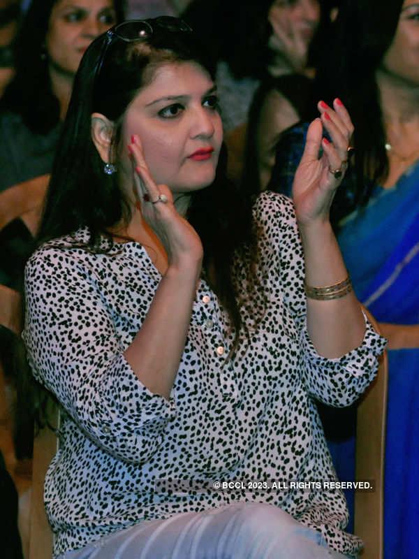 Nikhita Gandhi @ Tolly Club