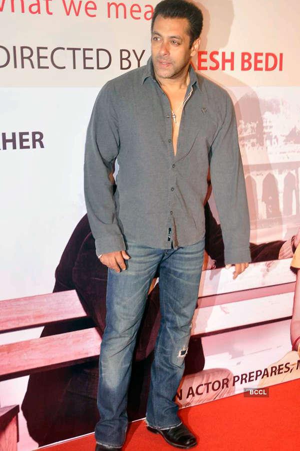 Celebs attend Anupam Kher's play