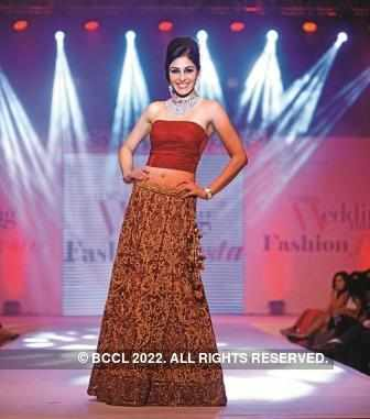 Pooja Chopra turns showstopper for Dipali Shah