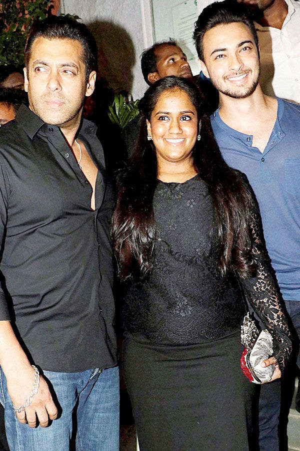 Salman Khan with Arpita Khan and Aayush Sharma