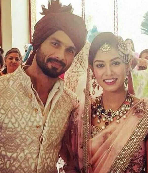 These PDA pictures of Mira Rajput and hubby Shahid Kapoor are simply unmissable