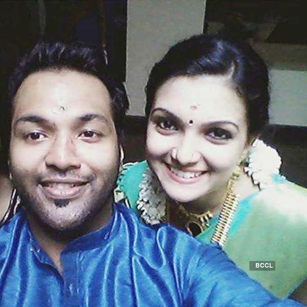 Saranya Mohan secretly engaged to Aravind