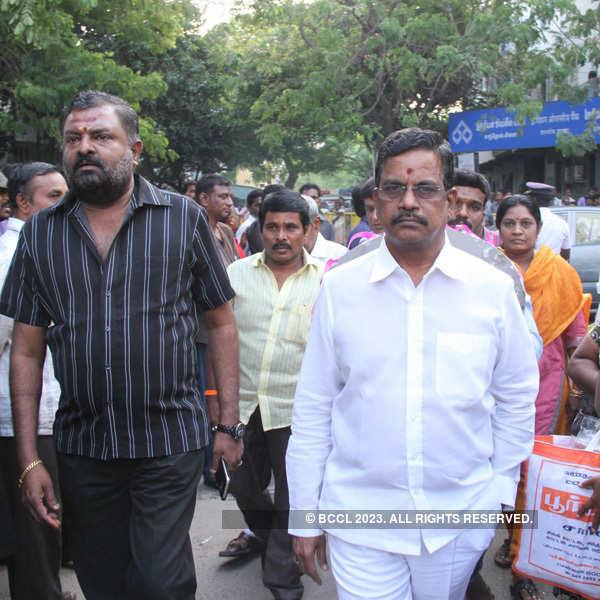 Celebs @ MS Viswanathan's funeral