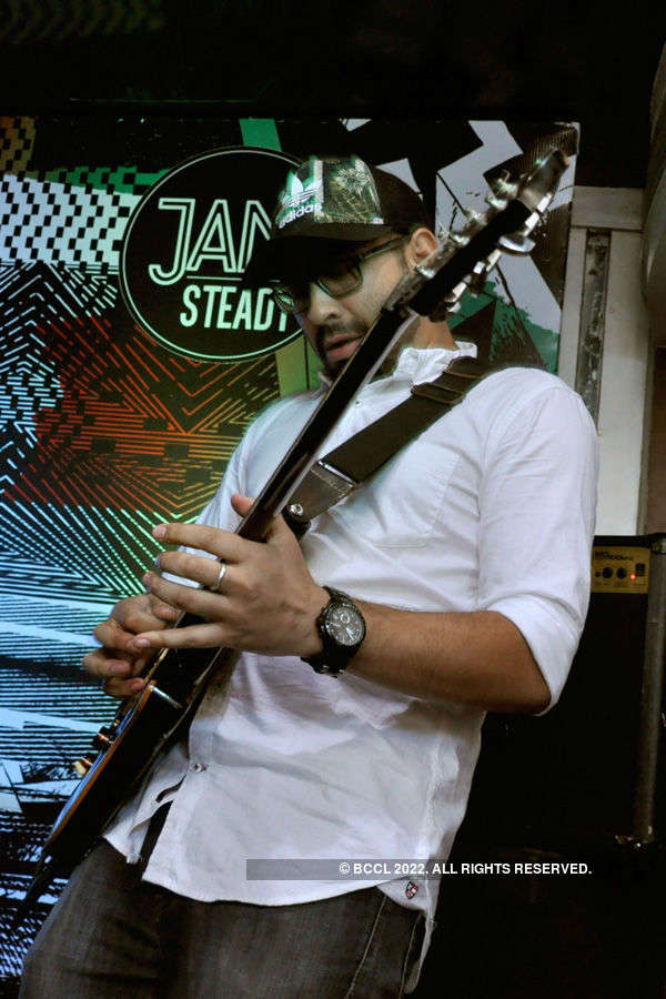 Rock and roll @ Jam Steady