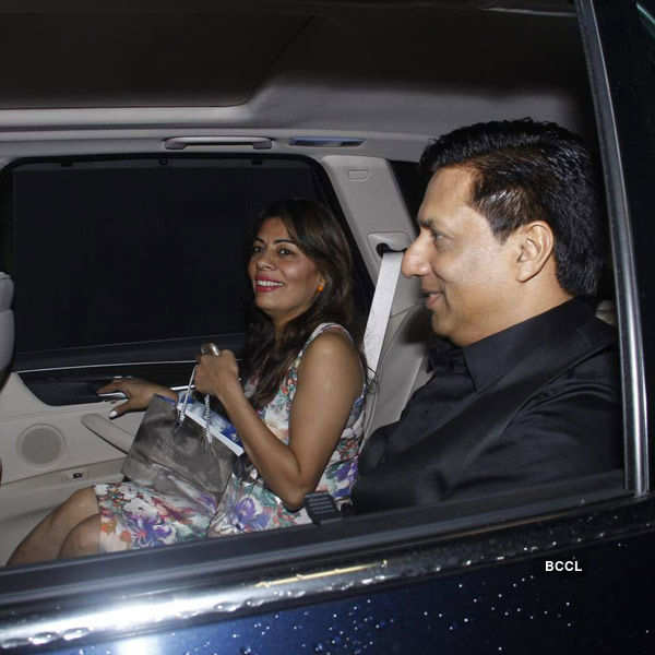 Madhur Bhandarkar arrives with wife for the birthday party