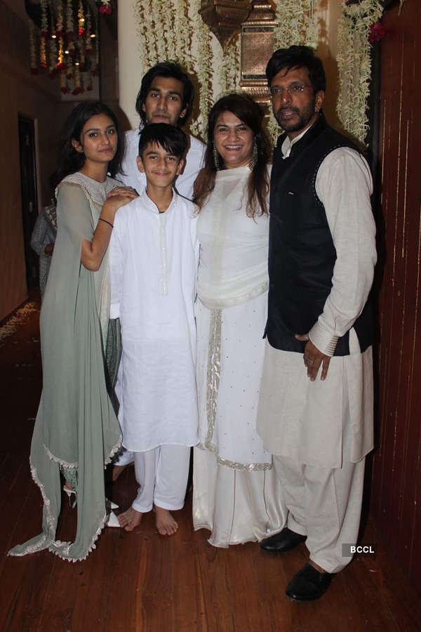 Celebs @ Jaaved Jaffrey's Iftar party