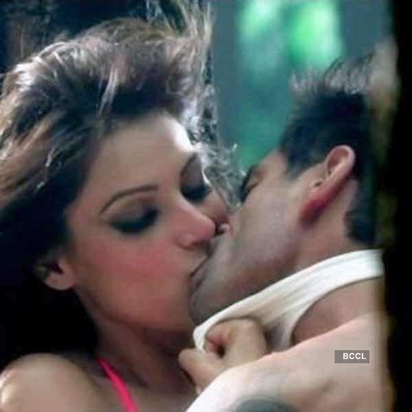 sushant singh: Parineeti Chopra, Sushant Singh Rajput-starrer