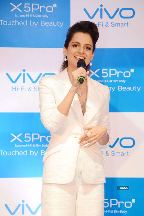 Kangana Ranaut unveils vivo x5Pro