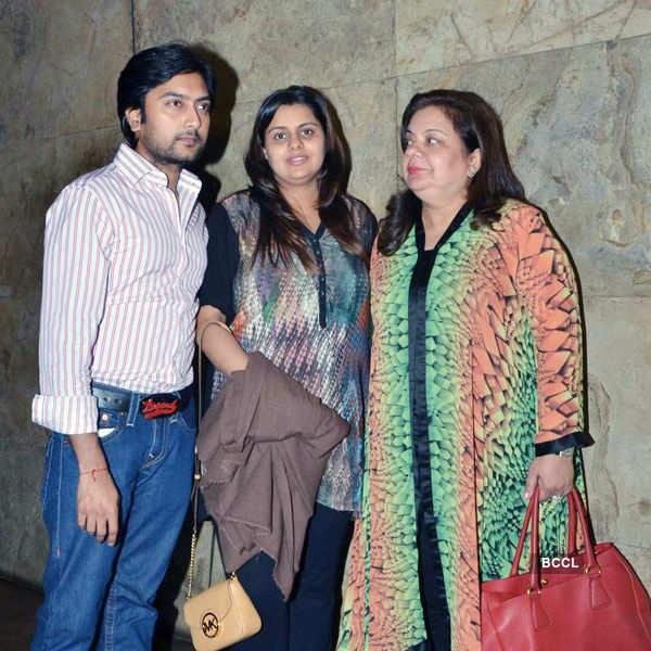 Bangistan: Screening