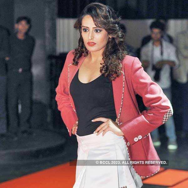 Dinesh Aneja's fashionable evening
